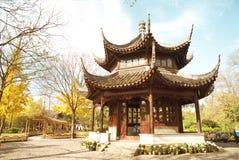Ein pavalion Zhuozheng Yuan im Garten Stockfotografie
