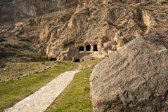 Ein Pfad in Richtung zur Höhle Stockfotos