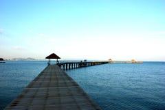 Ein Pier über dem Meer Lizenzfreies Stockfoto