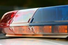 Ein Polizeisireneabschluß oben Lizenzfreie Stockfotos