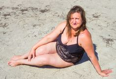 Ein Porträt einer Frau auf einem Meer Lizenzfreies Stockbild