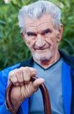 Ein Porträt eines älteren älteren Mannes stockfotos