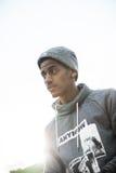 Ein Porträt eines jungen Mannes im Brooklyn, NYC-Straßen Lizenzfreie Stockfotos