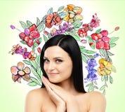 Ein Porträt eines lächelnden schönen Brunette lizenzfreie abbildung