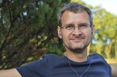 Ein Porträt von mit Kopfhörern Stockfoto