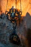 Ein Relikt im Serbe-orthodoxen Höhlenkloster von Dajbabe, nahe Podgorica, Montenegro lizenzfreie stockbilder