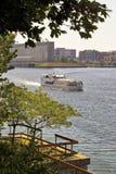 Ein Riverboat auf dem St Lawrence River im alten Hafen von Montrea Lizenzfreie Stockfotografie