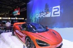 Ein roter Rennwagen fördert die Spielprojektautos 2 Lizenzfreies Stockfoto