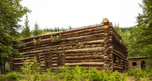 Ein rustikales Blockhaus in Alaska Stockfotografie