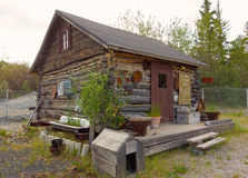 Ein rustikales Blockhaus an einem Museum im Freien in Yellowknife Lizenzfreies Stockfoto