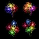 Ein Satz bunte Feuerwerke zu Ehren des Feiertags auf einem schwarzen Hintergrund Abbildung Stockbild