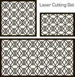 Ein Satz dekorative Platten für Laser-Ausschnitt mit einem geometrischen Muster für das Herausschneiden des Papiers, Holz, Metall Stockfoto