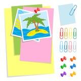 Ein Satz farbige Blätter von verschiedenen Größen und Bürodruckbolzen und -clip Reizende Karikaturart Einfache flache Vektorillus Lizenzfreie Abbildung