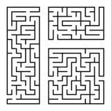 Ein Satz quadratische und rechteckige Labyrinthe mit Eingang und Ausgang Einfache flache Vektorillustration lokalisiert auf weiße Lizenzfreie Abbildung