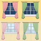 Ein Satz Vorhänge mit einer schönen Ansicht vom Fenster Lizenzfreie Stockbilder