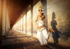 Ein schöner junger Tänzer, der für ein Bild Konzept aufwirft Stockfoto