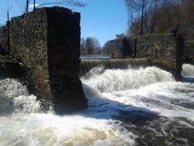 Ein schöner Platz, ein kleiner Fluss, die sehr beste Landschaft Stockfotografie