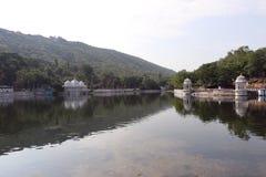 Ein schöner See in Udaipur Stockbilder