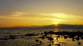 Ein schöner Sonnenuntergang am Abend stockfotos
