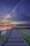 Ein schöner Tagesanbruch füllte mit Farben über dem Strand Lizenzfreie Stockfotografie