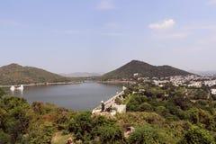 Ein schönes Rückhaltebecken in Udaipur Lizenzfreies Stockbild