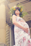 Ein schönes schwangeres Mädchen Stockbilder
