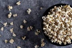 Ein Schlag des Popcorns stockbild