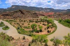 Ein schmutziger Fluss durch New Mexiko Stockbilder
