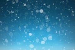 Ein Schnee auf den schwarzen Hintergründen lizenzfreie abbildung