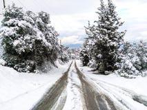 Ein schneebedeckter Tag in Griechenland stockfotos
