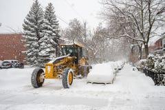 Ein Schneepflug in der Bewegung in Montreal Lizenzfreies Stockfoto