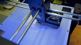 Ein schneller Prozess 3d-printing von oben stock video footage