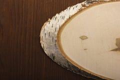 Ein Schnitt ist eine weiße Birke Stockfotos