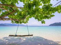 Ein Schwingen auf dem Strand Stockfotos