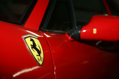 Ferrari-Logo lizenzfreie stockbilder