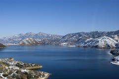Ein See der Winterzeit Stockbilder