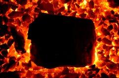 Ein sehr groß Stück der Ecke des Markenanthrazits entflammt im Winkel des Feinanteils lizenzfreies stockfoto
