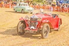 Ein seltenes Riley-Sportauto auf Erscheinen bei Roseisle. Lizenzfreie Stockfotografie