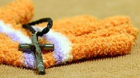 Ein silbernes Kreuz Stockbild
