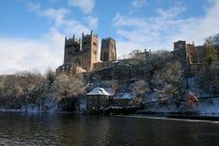 Ein Snowy Durham Cathederal stockbilder