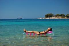 Ein Sonnenbad nehmen in Kroatien Lizenzfreies Stockbild
