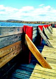 Ein sonniger Tag am Regierungsdock in Nord-Ontario Stockbilder
