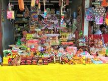 Ein Spielzeugverkäufer stockfoto
