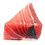 Ein Stück des frischen Thunfischs Lizenzfreie Stockfotos