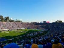 ein Stadion voll von Leuten lizenzfreies stockfoto