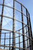 Ein Stahlfeld eines Gaskontrollturms Lizenzfreies Stockbild