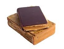 Ein Stapel alte Bücher mit Golddem stempeln Stockfoto