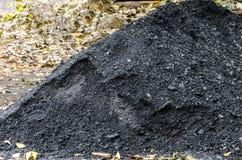 Ein Stapel der schwarzen Kohle stockbild