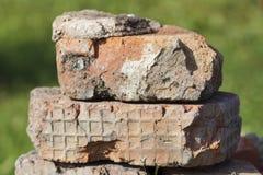Ein Stapel von alten Ziegelsteinen Lizenzfreie Stockfotografie