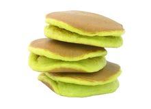 Ein Stapel von drei einfachen Pfannkuchen auf einem weißen Hintergrund lizenzfreie stockbilder